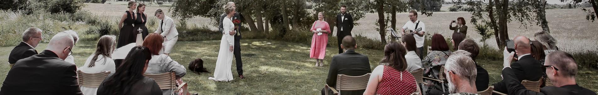 Bryllupsfotografering ved vielse af brudepar